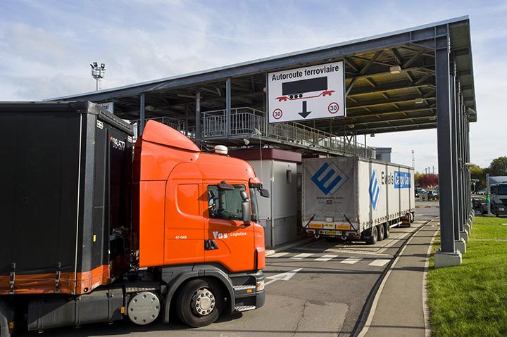 service-trucking_720